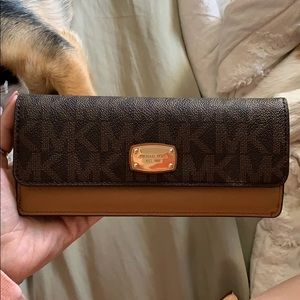 Michael Kors Wallet **updated**